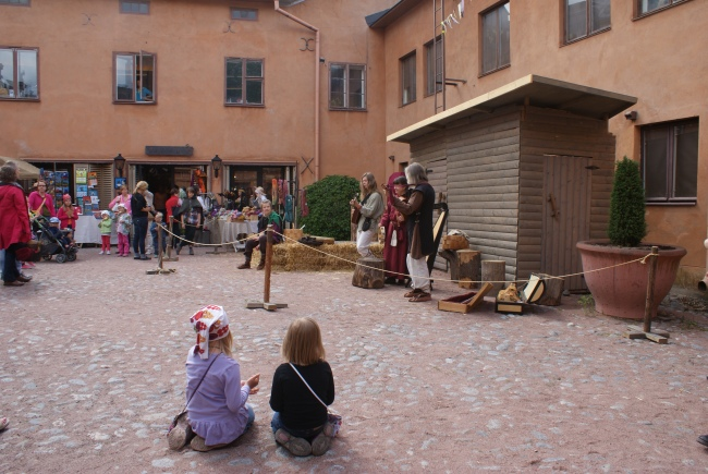 Konserter under medeltidsveckan i Åbo. Concerts under the medieval week in Turku. Keskiajan viikolla on konsertteja.
