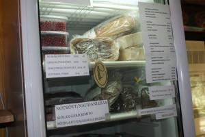 Lammbitar i frysen. Bites of lamb in the freezer. Lampaan paloja pakastimessa.