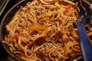 Fläskytterfilé med nudlar, pork loin with noodles, porsaan ulkofilettä ja nuudeleita