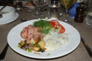 Lax med dillstuvad potatis, salmon with dill potatoes, lohi ja tilliperunat