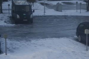 Isig parkering, icy parking, jäinen parkkipaikka