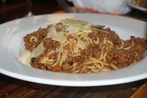 Pasta med köttfärssås, pasta with minced meat sauce, pasta ja jauhelihakastike