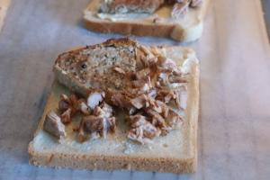 Toast med kött, toast with meat, paahtoleipä ja lihaa
