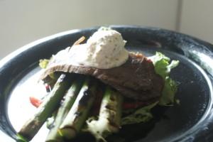Oxbringa med pepparrotssmetana, beef brisket with sour cream and horseradish, härän rintaa ja piparjuurismetanaa