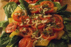 Tomat- och apelsinsallad