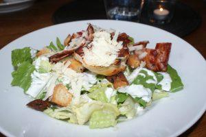 Caesarsallad, Caesar salad, Caesar -salaatti