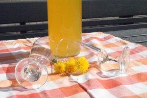 Maskrossaft, dandelion juice, voikukkamehu